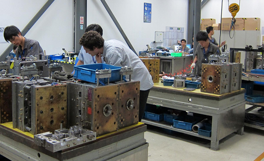 Inspecting Injection Mould Tools