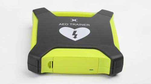 Defibrillator Training Device Keeps it Real
